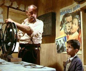 Nuovo Cinema Paradiso: Günlerin Getirdiğini Günler Götürür