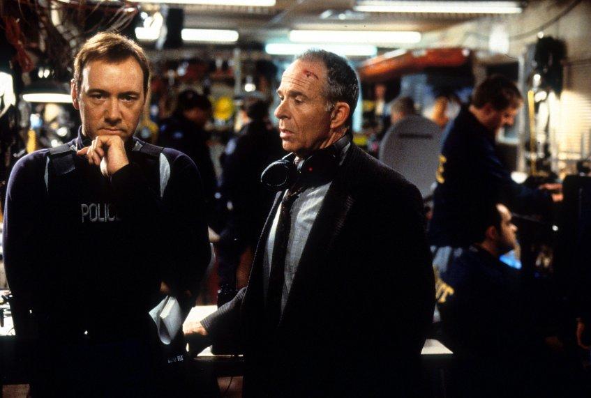 10- The Negotiator(1998)