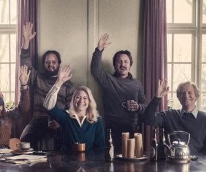 Bir Fragman: The Commune