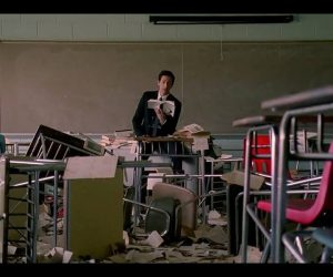 En Dipteki İnci Gibi: Detachment