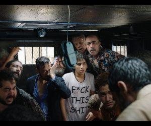 """Filmekimi 2016 İzlenimleri – Clash (Esthebak): """"Hangimizin Kimden Olduğu Anlaşılmaz Ki!"""""""