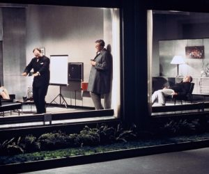 Bir Sahne-Playtime: Modernizmin Mekanik Ritmi