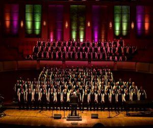 !f'ten Bir Bakış- Kutuplaşmanın Çözümlemesi: Gay Chorus Deep South (2019)